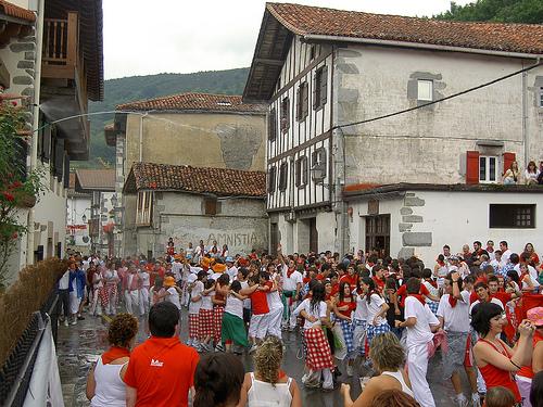 perforación bailarines pequeña cerca de Jaén