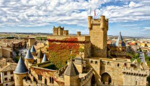 castillo-palacio-de-olite-desde-las-nubes