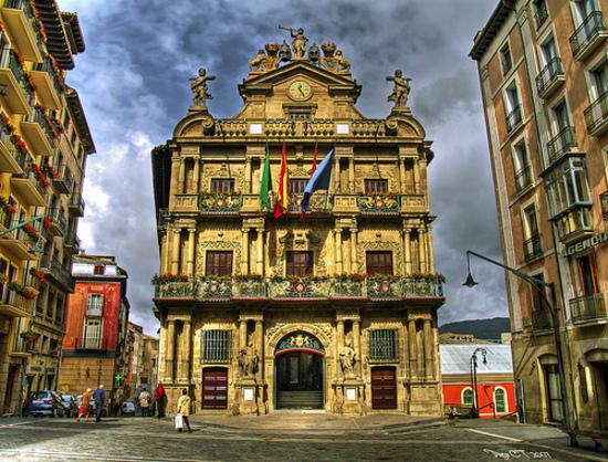 ayuntamiento-pamplona-desde-plaza-consistorial